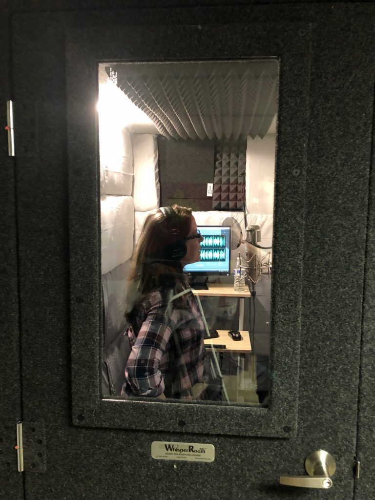 Jennifer Tophoney in Booth